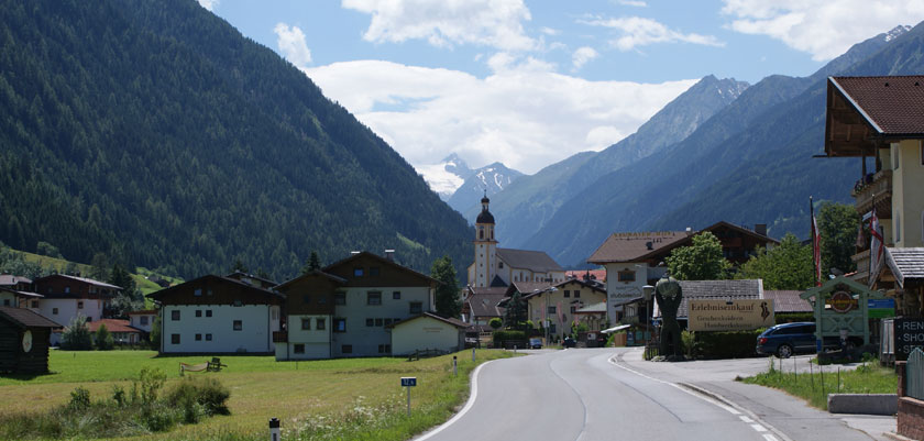 Austria_Austrian-Tyrol_Neustift_Stubai-valley.jpg
